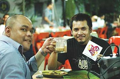 Celebrating street food: Fried Chillies videographer Miko Abdullah (right) and friend Syahid Johari at the launching of FriedChillies' Love Your Street Food Campaign.