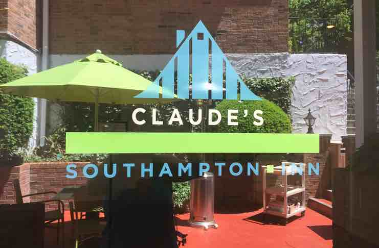 Claudes South Hampton Inn