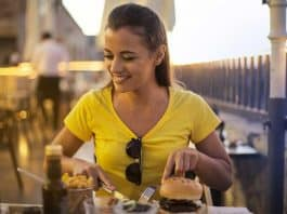 why burgers are a favorite fast food